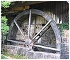 2016-05-07, Wasserrrad vor Säge und Mühle